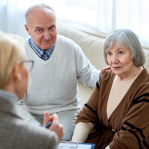 Angehörige mit dementem Partner wird beraten